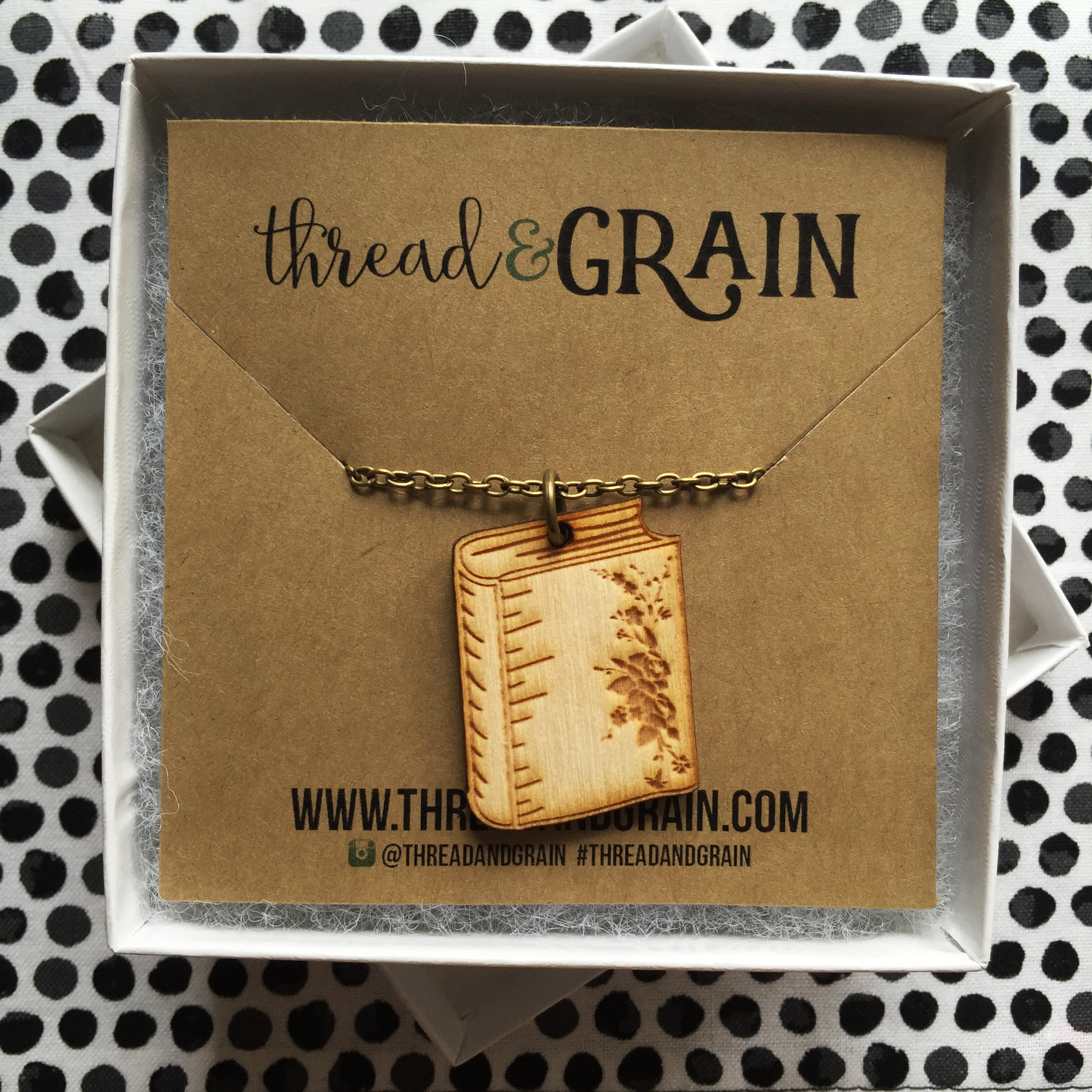 Book WOODEN NECKLACE