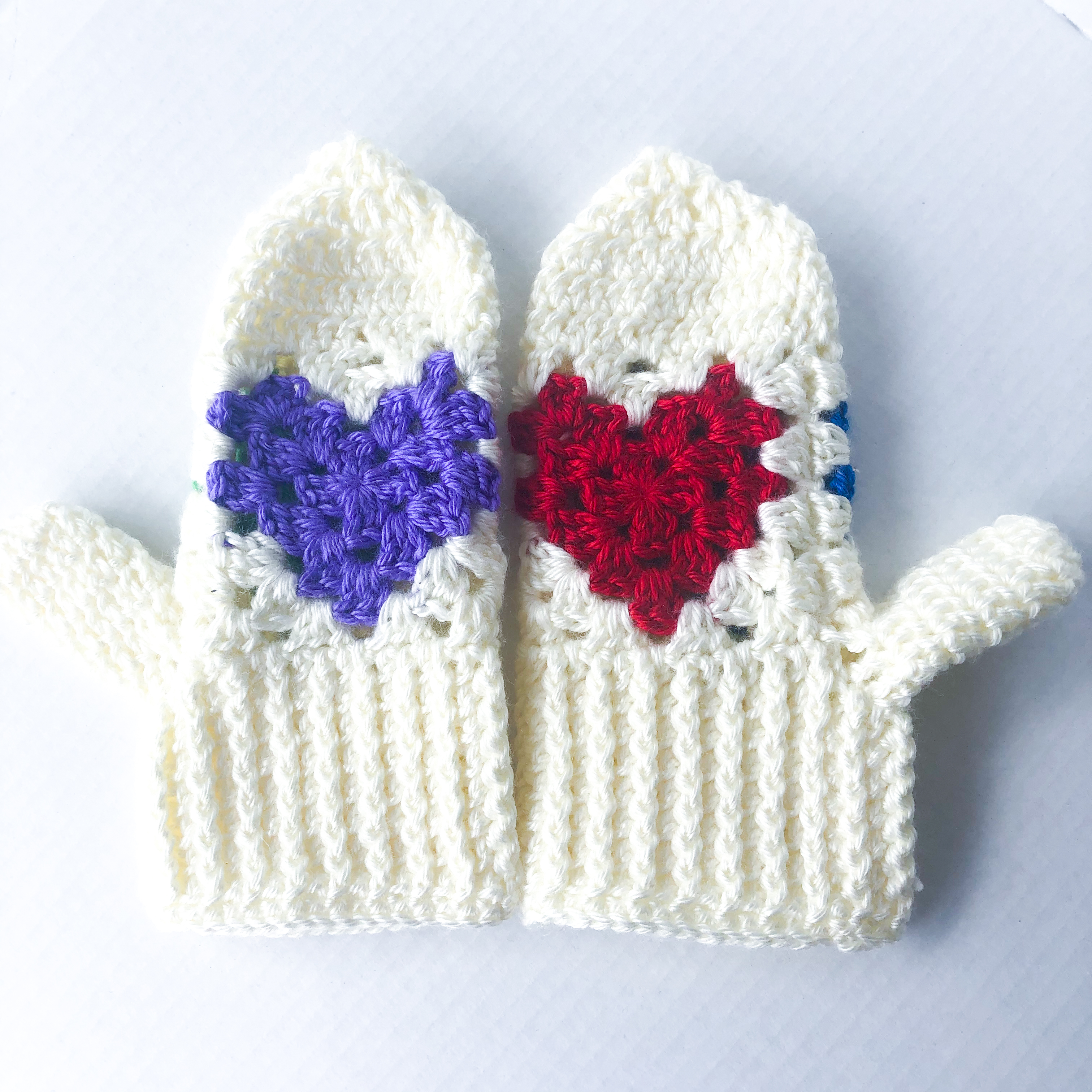 Cream + Multi-colored Heart Mittens – Spring Cleaning Sale
