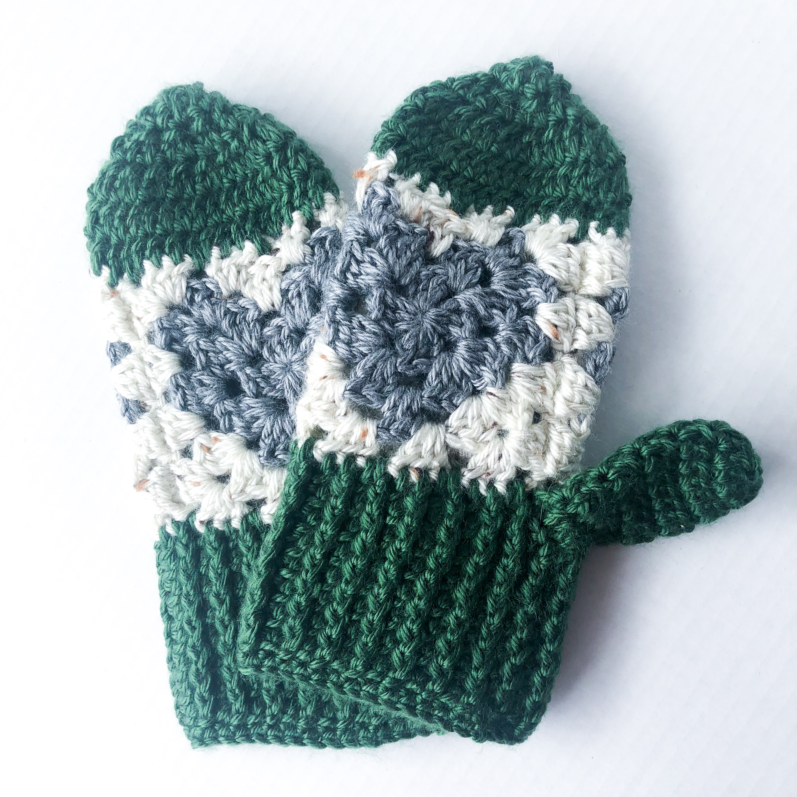 Green, Grey + Cream Heart Mittens – Spring Cleaning Sale