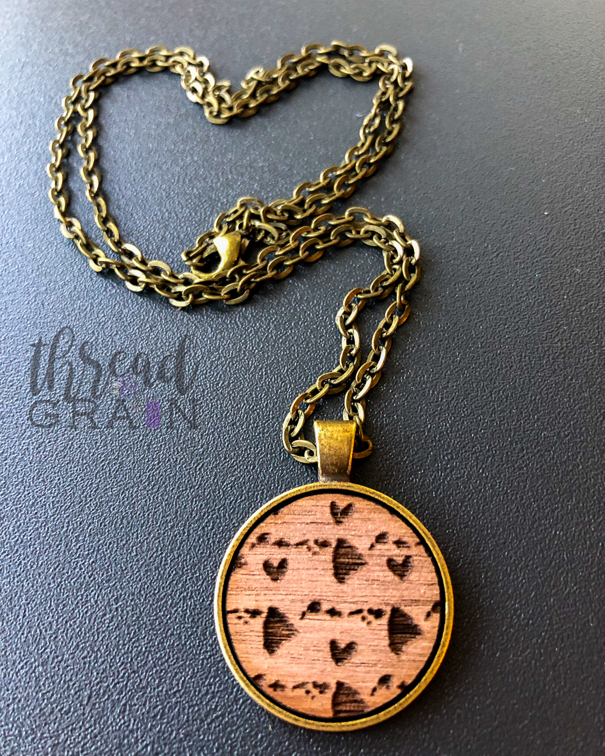 Hawaii :: Laser Engraved, Wooden, Disc-Mounted Necklace